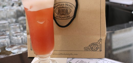 The iconic Singapore Sling at the Raffles Hotel - Long Bar