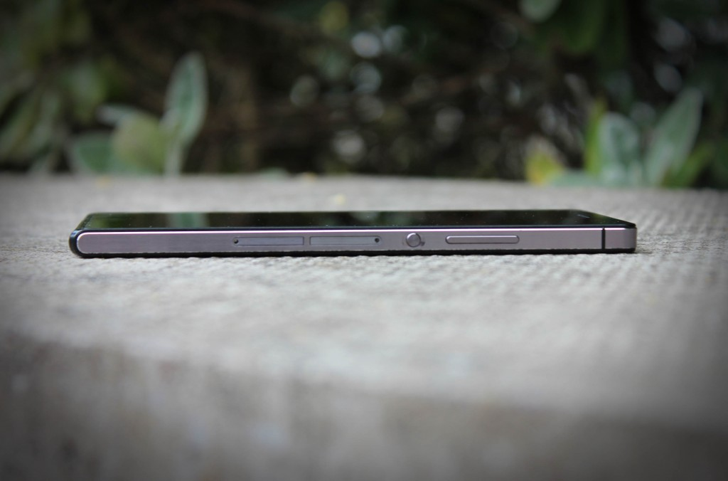 Huawei_Ascend_P7_side view
